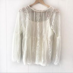 Ultra Pink | White Lace Overlay peasant shirt L